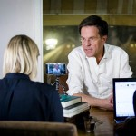 Rutte houdt Facebook sessie