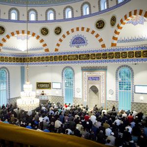 Ochtendgebed in Mevlana moskee