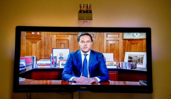 rutte-spreekt-nederland-toe-op-tv