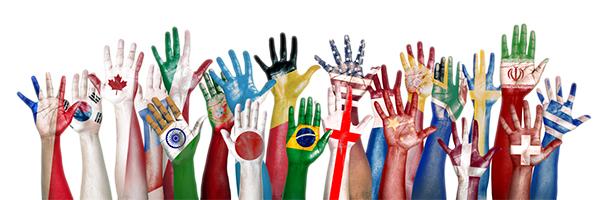 diversieteit-handen-in-de-lucht-vlaggen