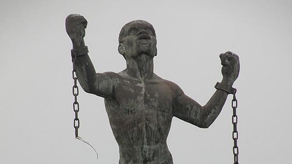 bussa-statue