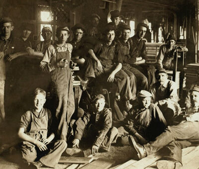 oud-foto-van-kinderen-in-de-fabriek-slavernij