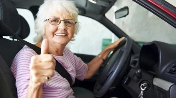 Verkeerstest voor oudere automobilist' | De Ondernemer