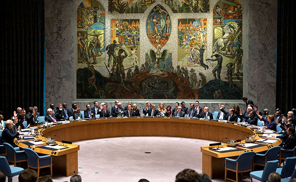 President_Barack_Obama_calls_for_a_vote_as_he_chairs_a_United_Nations_Security_Council_summit_on_foreign_terrorist_fighters_at_the_United_Nations_in_New_York