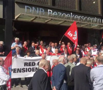 demonstranten-tegen-het-pensioenbeleid-van-de-nederlandsche-bank